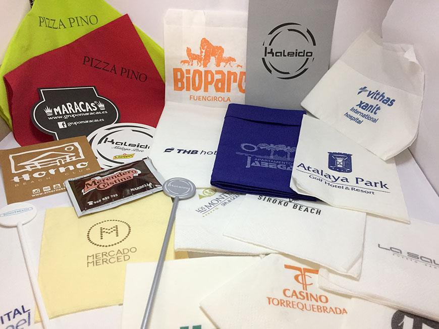Producimos e imprimimos artículos personalizados con su logo y sus colores corporativos